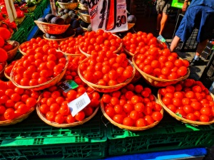 Fresh tomatoes, Oxford Farmer's Market. (c)sjspic2014